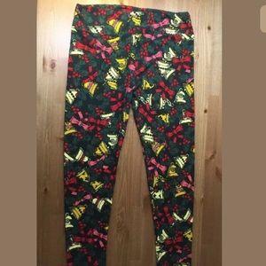 LuLaRoe Pants - LuLaRoe TC Leggings Plus Christmas Red Green